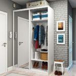 Комбинированный шкаф в прихожей частного дома