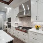 Кухонная вытяжка из нержавеющей стали