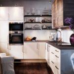 Зона для готовки в кухне-гостиной