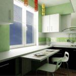 Сочетание белого, зеленого и черного цветов на кухне