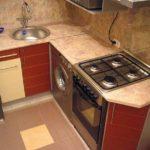 Газовая плита в маленькой кухне