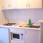 Линейный гарнитур для кухни в хрущевке