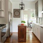 кухонная тумба-остров из натурального дерева