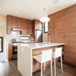 Современная корпусная мебель в дизайне кухни
