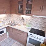 Подсветка рабочей поверхности на кухне панельного дома