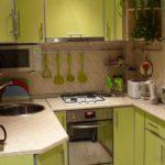 П-образная планировка в маленькой кухне