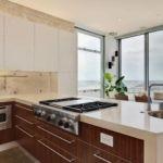 Вынос кухонной техники в полуостров на кухне