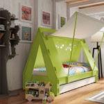 Кроватка-домик для маленького ребенка