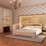 Красивое оформление стены над кроватью