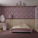 Темно-сиреневый ковер на полу спальни