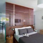 Зонирование комнаты с помощью решетчатой перегородки