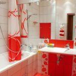 Сочетание красного и белого цветов в оформлении ванной