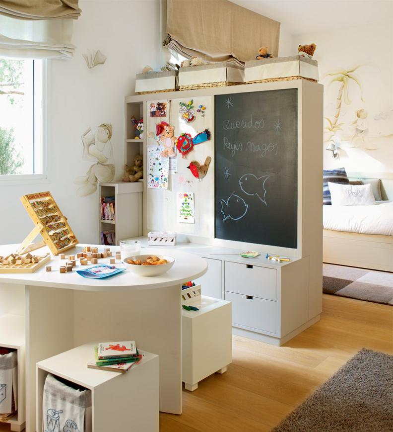 Детский шкаф с грифельной доской