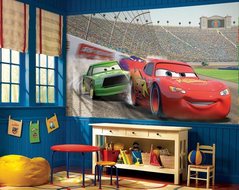 Игровая зона в детской комнате двоих мальчиков