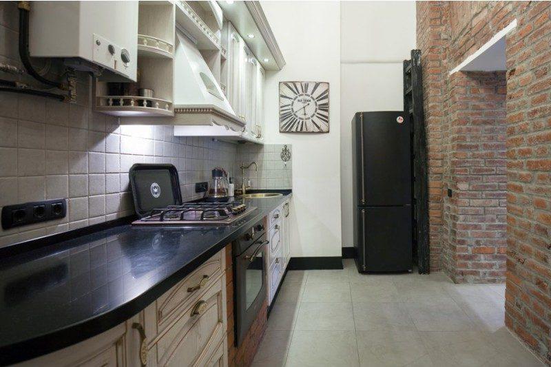 Газовая колонка на кухне в стиле лофт