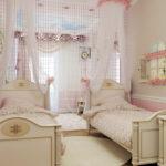 Классический стиль оформления комнаты для юных принцесс