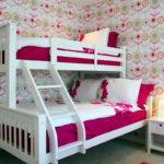 Детская кровать с двумя спальными местами