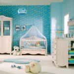 Голубые стены в комнате маленького мальчика