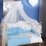 Детская кроватка с красивым балдахином