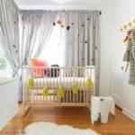 Нежно-серые шторы в комнате малыша