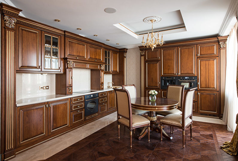 Классический кухонный гарнитур коричневого цвета
