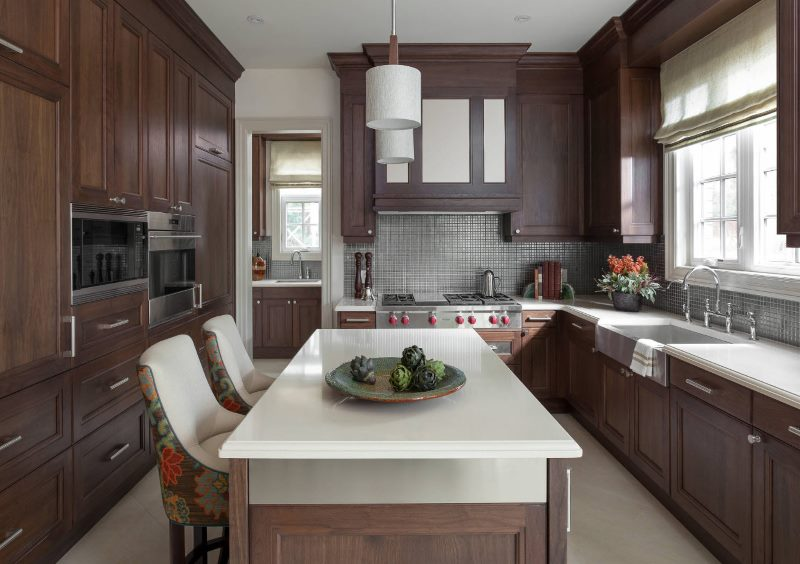 Кухня площадью 12 кв м в коричневом цвете