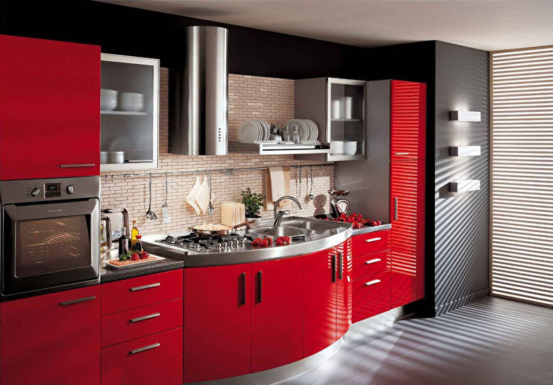 Красный гарнитур на кухне модерн