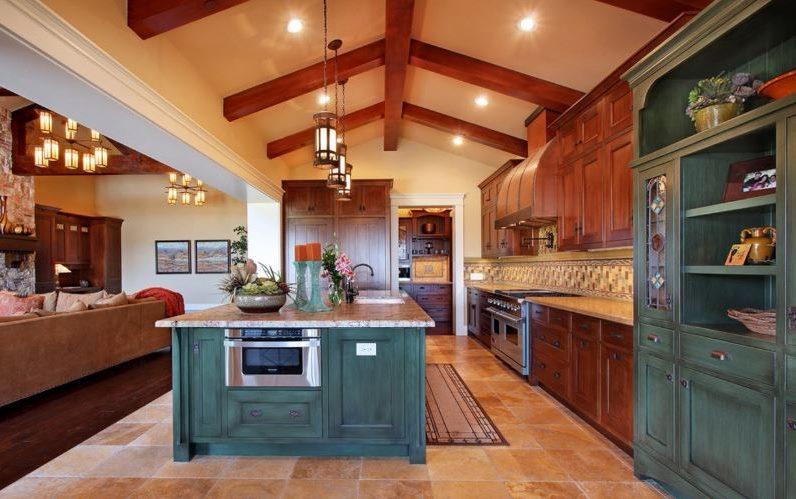 Дизайн кухни загородного дома в смешанном стиле