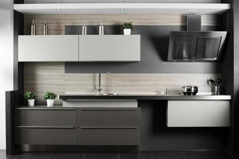 Линейный кухонный гарнитур в стиле хай-тек
