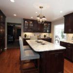 Кухня венге в классическом стиле