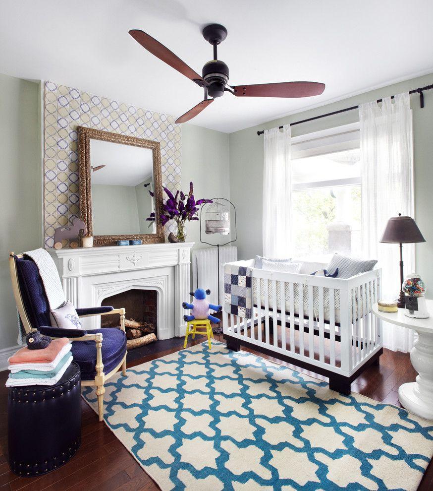 Люстра с вентилятором на потолке детской комнаты