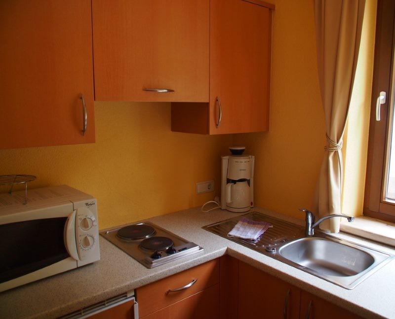 Кухонный гарнитур с маленькой варочной поверхностью