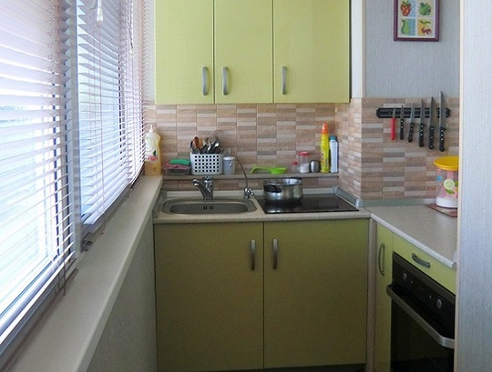 Мини-кухня на балконной части