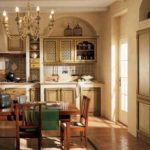 Освещение кухни, выполненной в стиле кантри