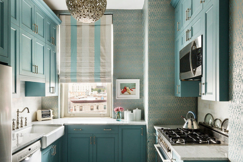 Небольшая кухня в пастельных оттенках
