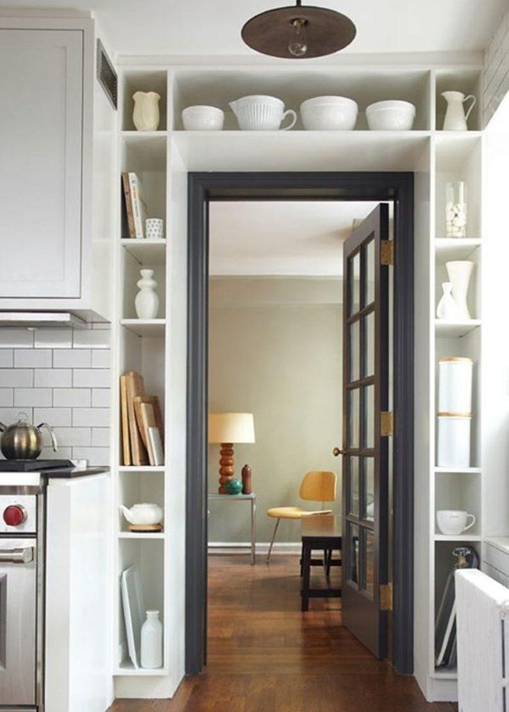 Кухонные полки вокруг дверного проема своими руками
