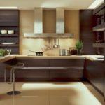 Шоколадный насыщенный цвет кухонной мебели