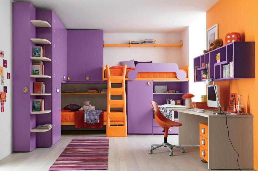 Контрастное оформление комнаты для мальчика и девочки