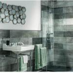 Стильное оформление ванной необычной плиткой