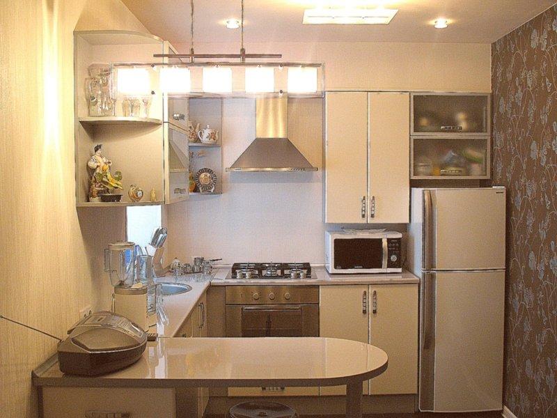 Яркое освещение на кухне в хрущевке