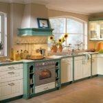 Светлая мебель для кухни в стиле кантри