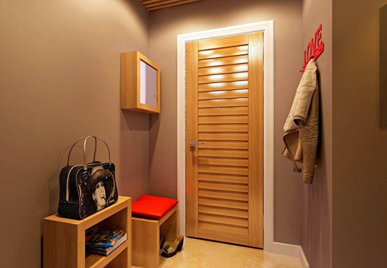 Светло-коричневая мебель в дизайне прихожей