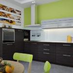 Светло-зеленая кухня с мебелью цвета венге