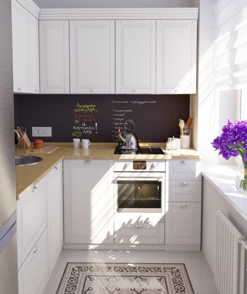Керамический пол на кухни с белым гарнитуром