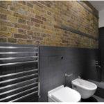 Темные интерьеры ванной в урбанистическом стиле