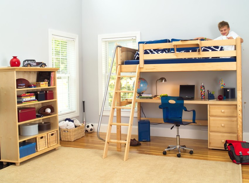 Организация места для занятий в маленькой детской комнате