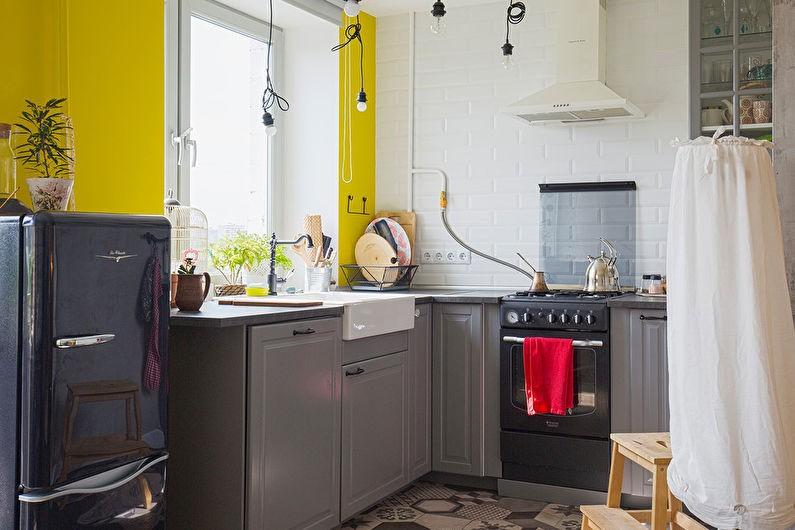 Желтая стена на кухне в индустриальном стиле