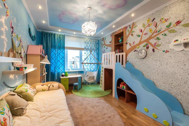 Оформление жидкими обоями стены в комнате мальчика