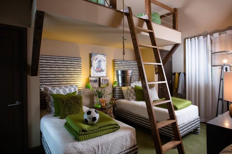 Лестница на второй ярус детской комнаты