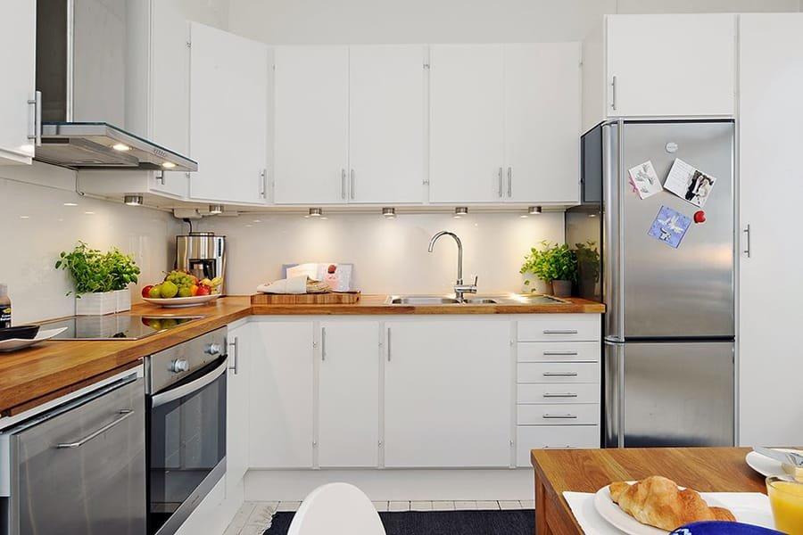Дизайн кухонного гарнитура в белом цвете